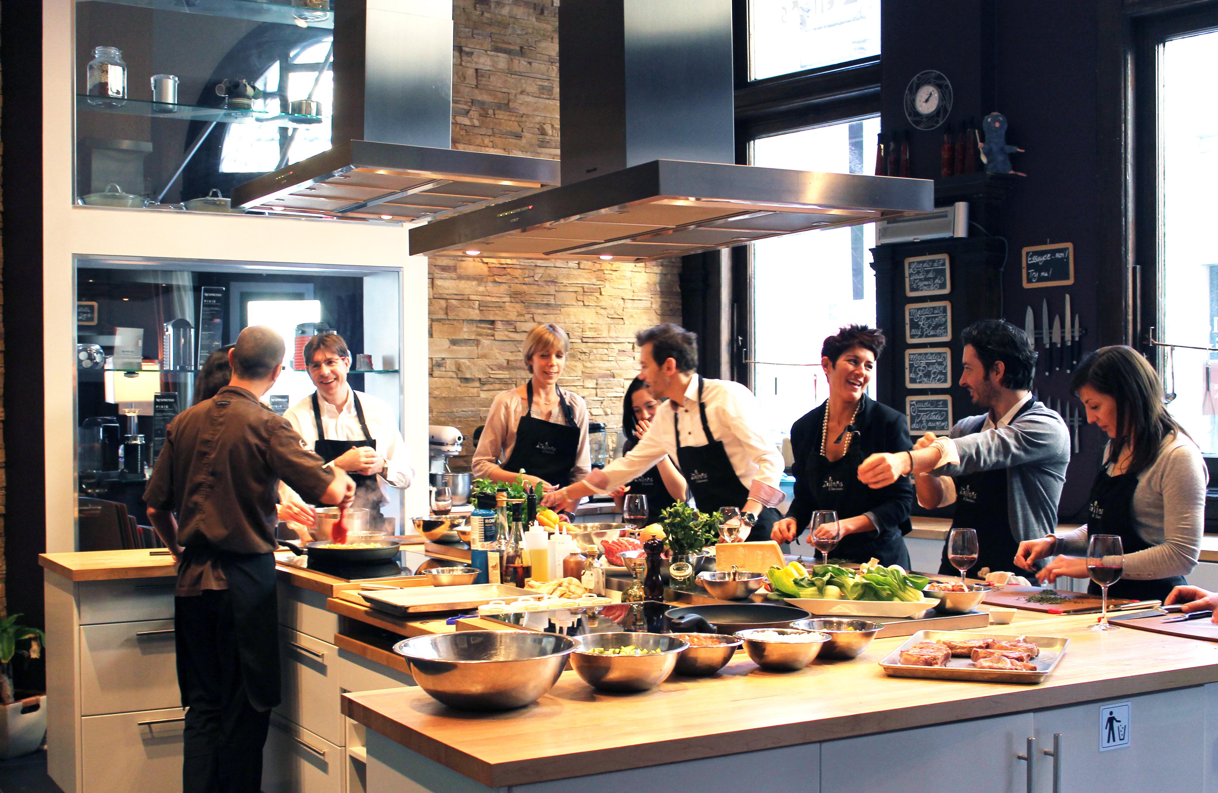 Ateliers saveurs cole de cuisine cocktails et vins for Cours cuisine