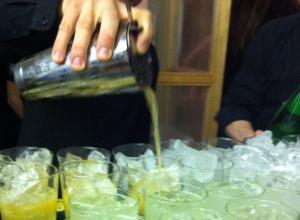 les cocktails Passion Perrier en pleine préparation...