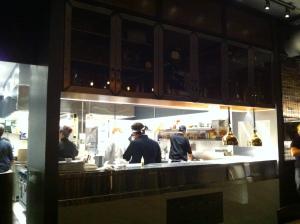 La cuisine à aire ouverte...
