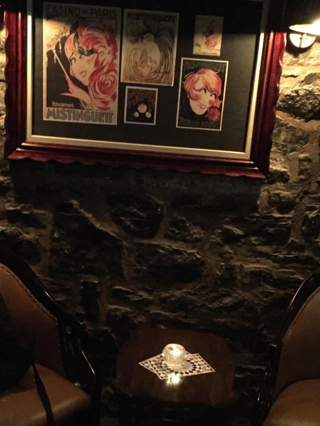 tables invitantes pour prendre un verre....